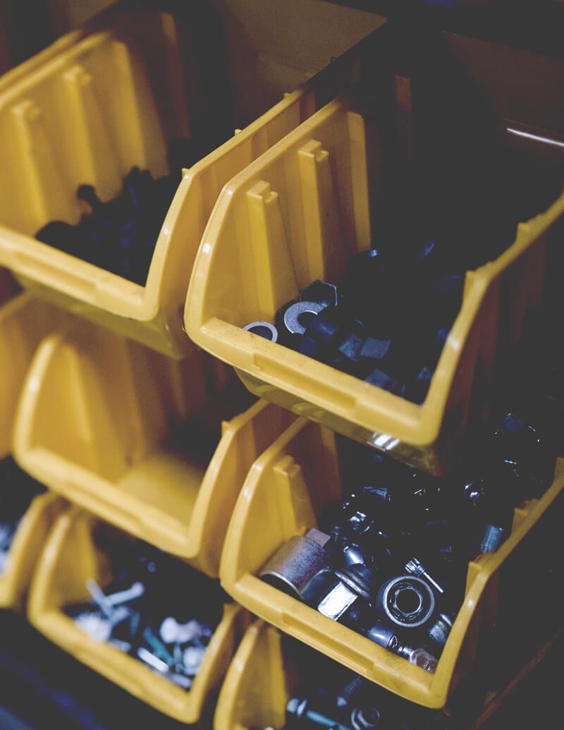 Prekyba naujomis ir naudotomis automatinių pavarų dėžių detalėmis.